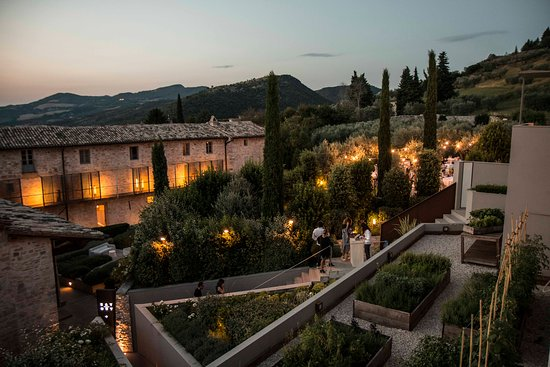 nun-assisi-relais-spa