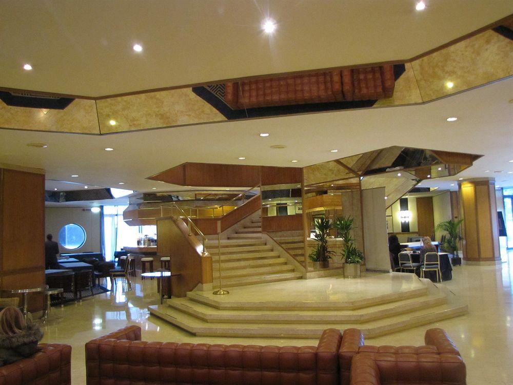 hall starhotel